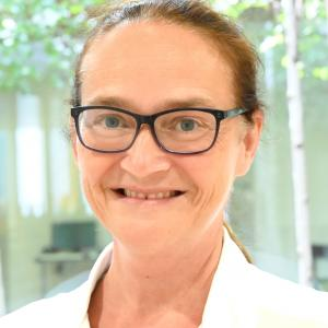 Vera Bouverat (Dr. med. Oberärztin, FMH Neurologie)